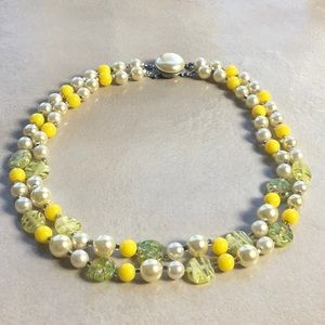 Vintage 50s 60s Yellow Green Beaded Choker